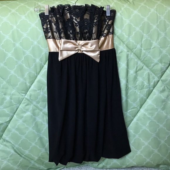 Jessica McClintock Dresses & Skirts - Black and Gold Strapless Dress with Lace